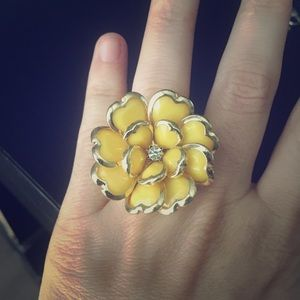 Yellow flower ring with gold band